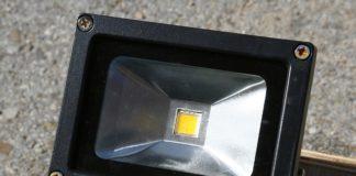 LED Außenstrahler mit Bewegungsmelder solar